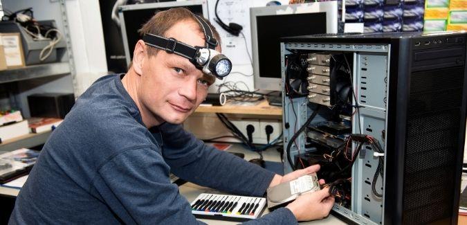 Computer repairing shop